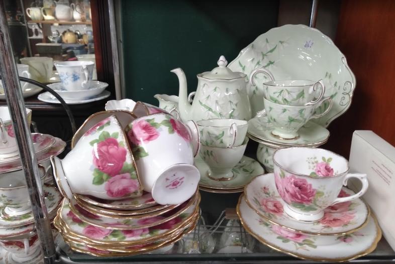 Avenue Antiques & Collectables